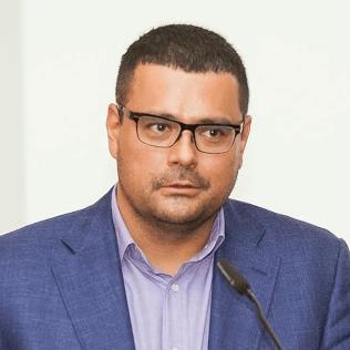 Dr. Marcin Ambroziak